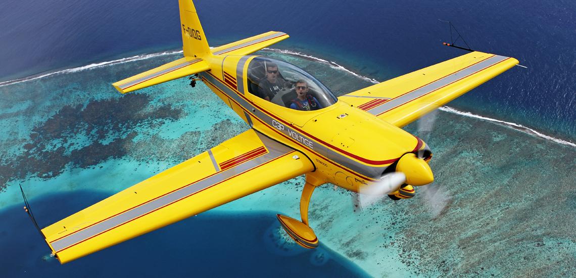 https://tahititourisme.com.br/wp-content/uploads/2017/08/Extra-200-Aerobatic-Flight-©-C3P.PF_.jpg