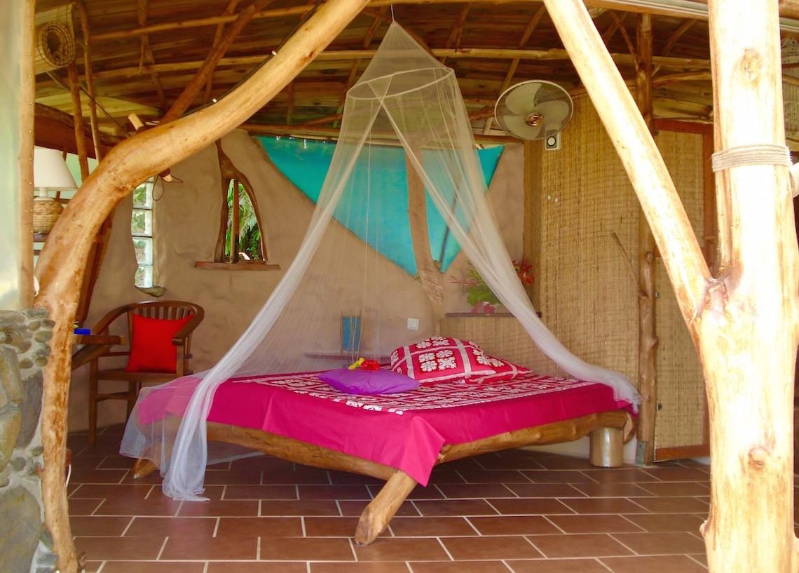 https://tahititourisme.com.br/wp-content/uploads/2017/08/HEBERGEMENT-Vanira-Lodge-1.jpg