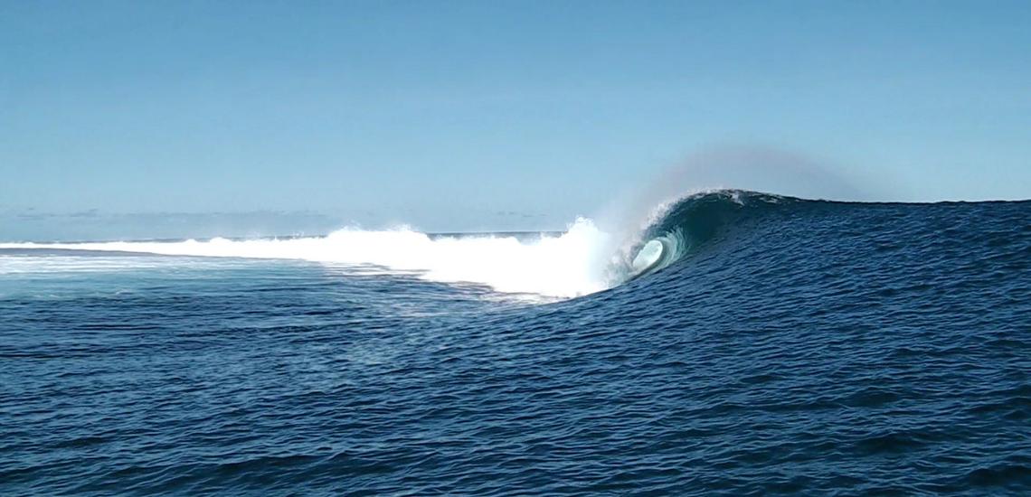 https://tahititourisme.com.br/wp-content/uploads/2017/08/Tehanis-surf-cool.png