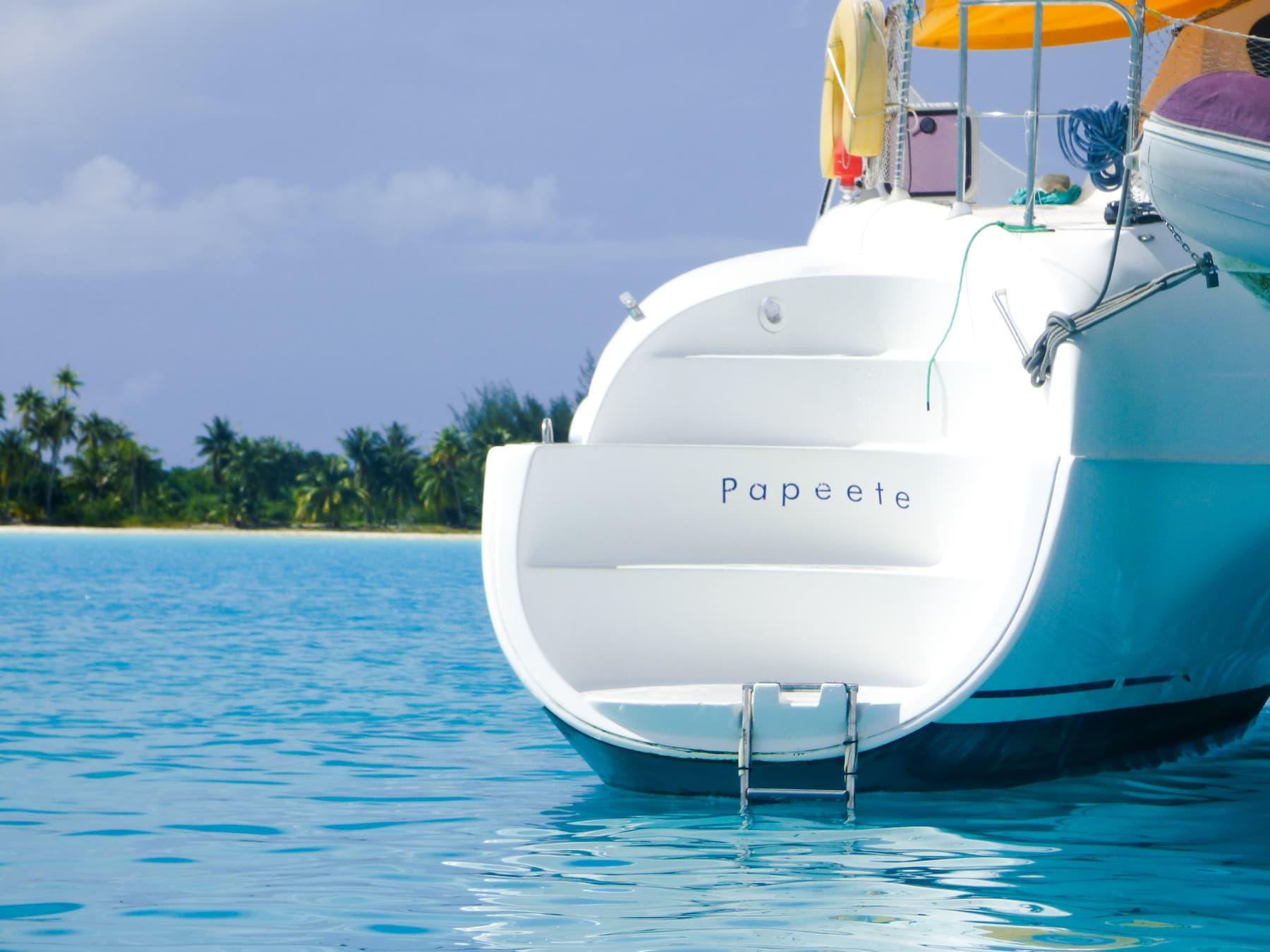 https://tahititourisme.com.br/wp-content/uploads/2017/08/bateau-tlc-modif-12.jpg