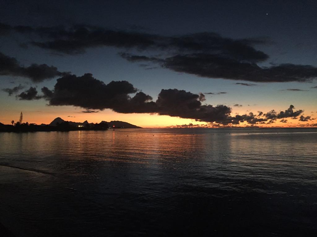 https://tahititourisme.com.br/wp-content/uploads/2017/09/Mer-coucher-de-soleil.jpg