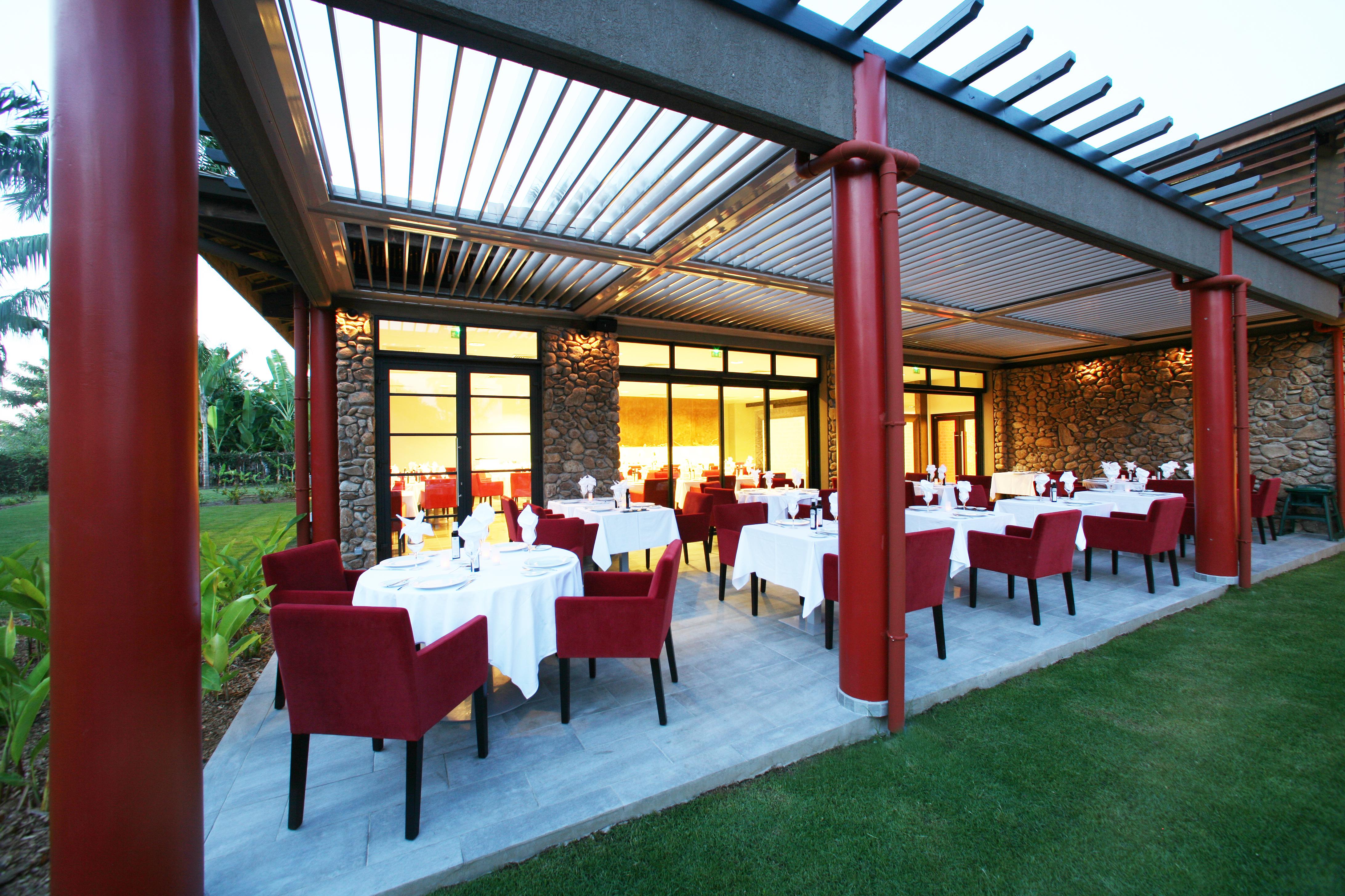 https://tahititourisme.com.br/wp-content/uploads/2018/03/RESTAURATION-Vaitohi-Restaurant-1.jpg