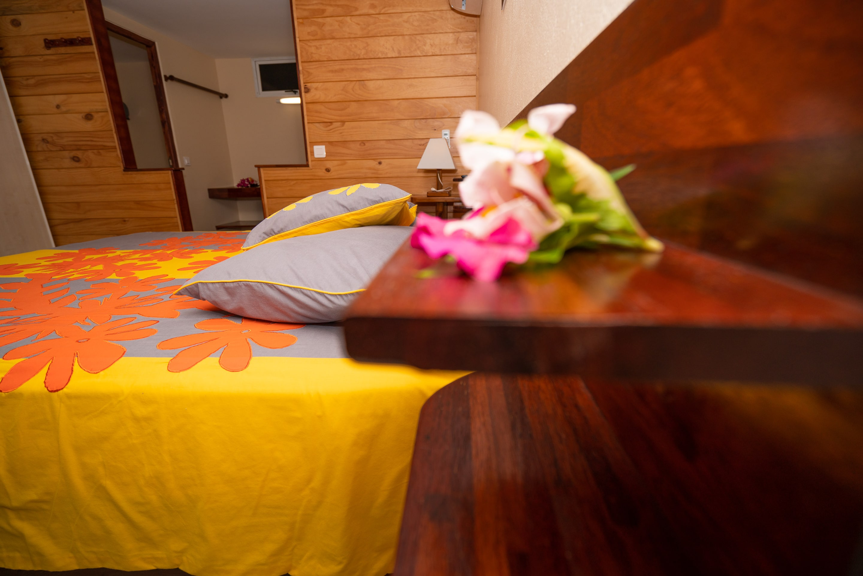 https://tahititourisme.com.br/wp-content/uploads/2019/03/Bora-Holiday-Lodge-Superior-room-24-min.jpg