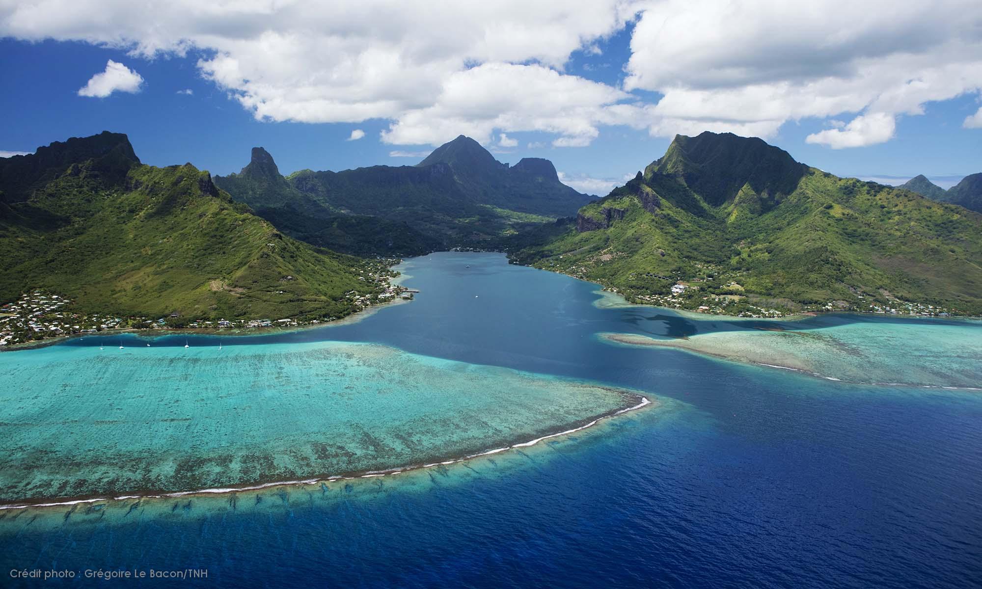 https://tahititourisme.com.br/wp-content/uploads/2019/09/Moorea-Aerial-2000x1200_126.jpg