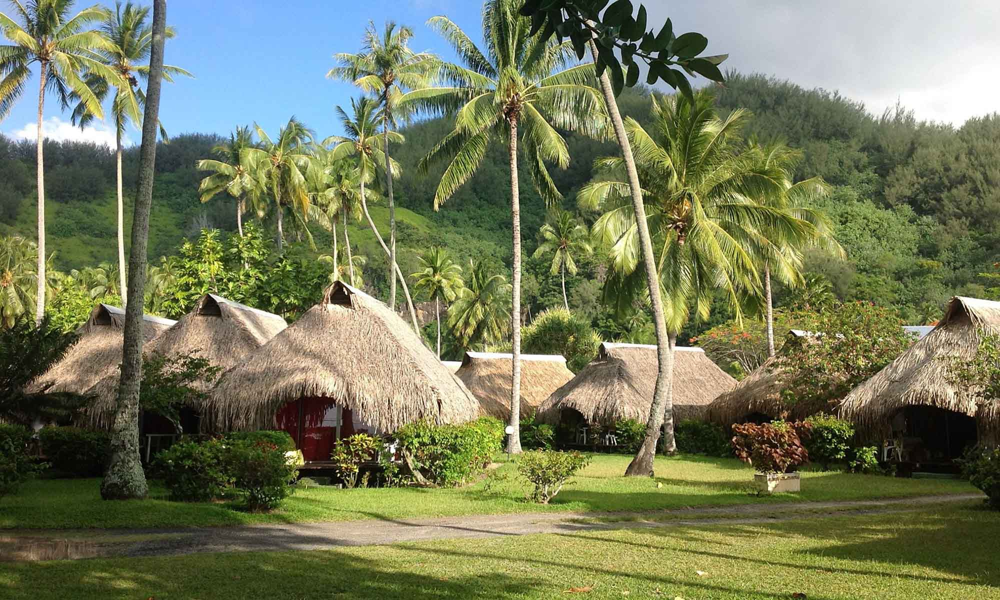 https://tahititourisme.com.br/wp-content/uploads/2020/07/Hotel-Hibiscus-Moorea-Bungalows-2000x1200-2_34676.jpg