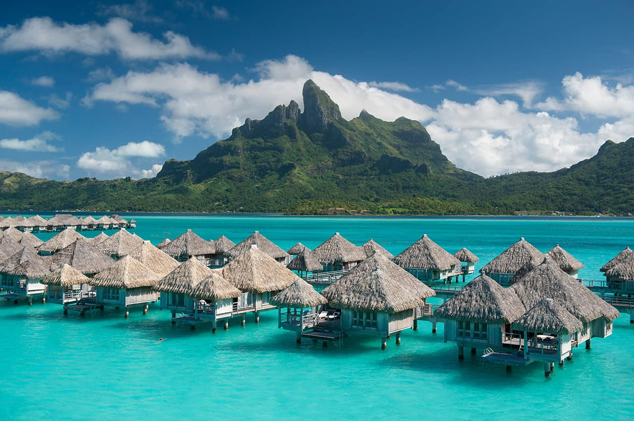 https://tahititourisme.com.br/wp-content/uploads/2020/07/st-regis-bora-bora-resort-8.jpg