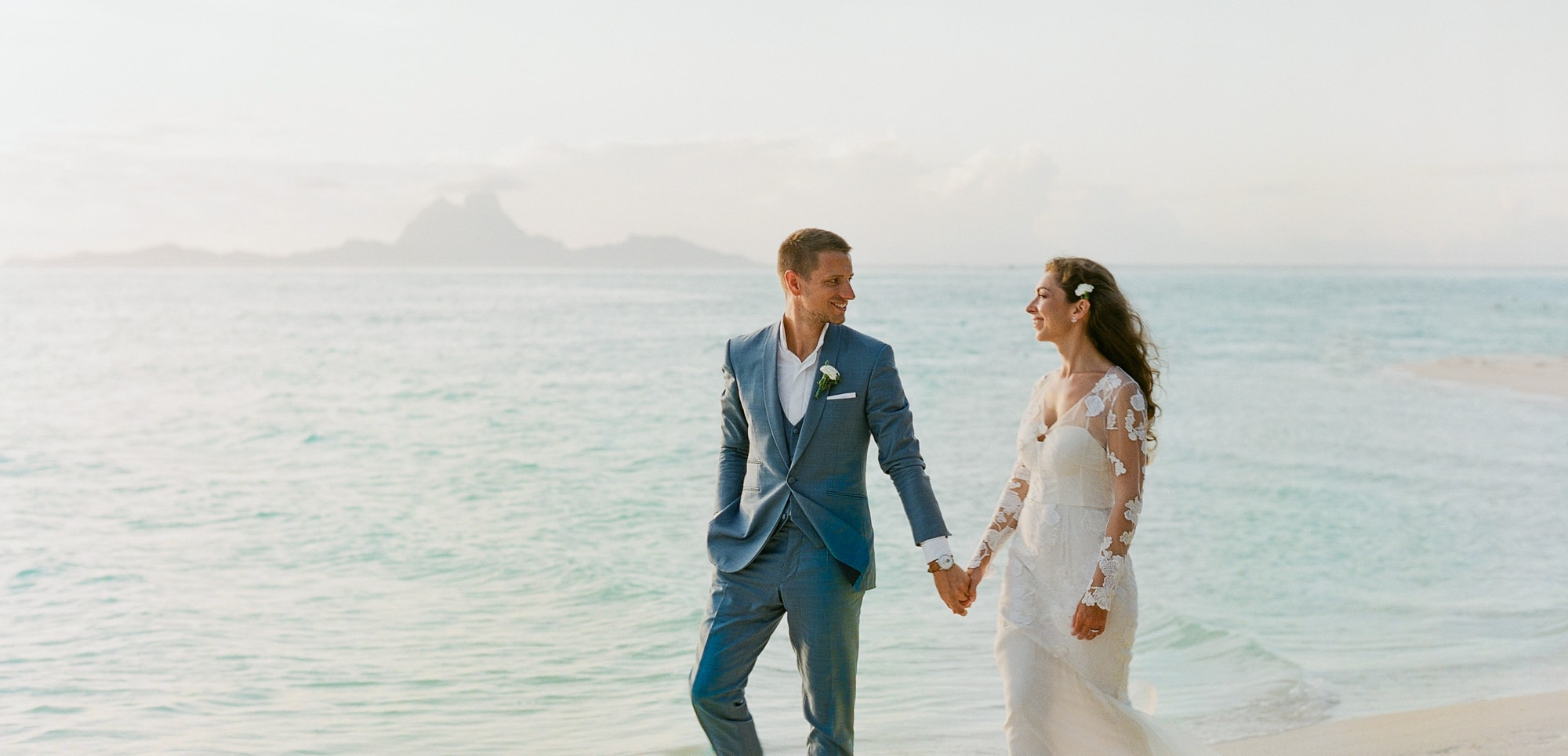 https://tahititourisme.com.br/wp-content/uploads/2021/04/PCP-Bora-Bora-Photography-Couple-Wedding-sunset.jpg